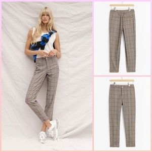 🆕 Anthropologie plaid tapered pants size L